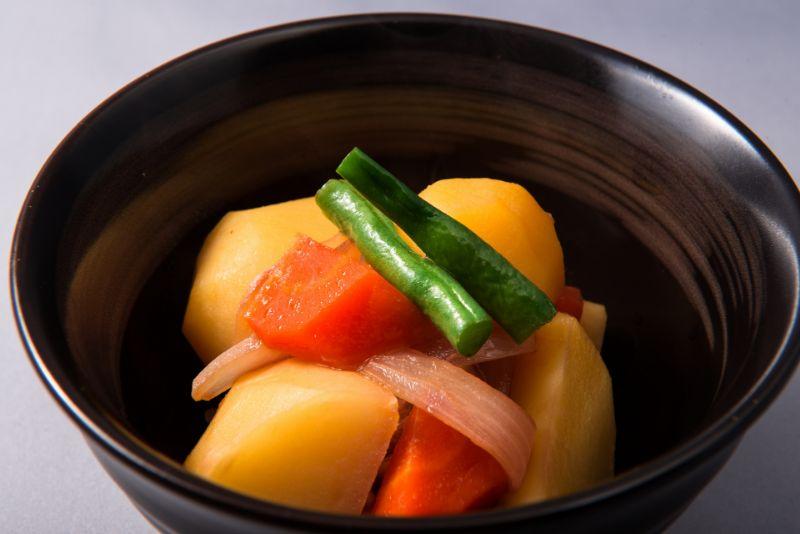 【健康のプロが厳選】炭酸水を使用したレシピを紹介!いつもの料理をおいしくアレンジ