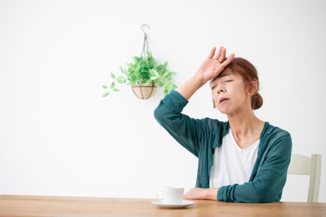 体調が悪い中高年女性